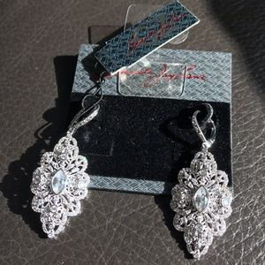 🔥LISTED TODAY Sparkling Kenneth Jay Lane Earrings